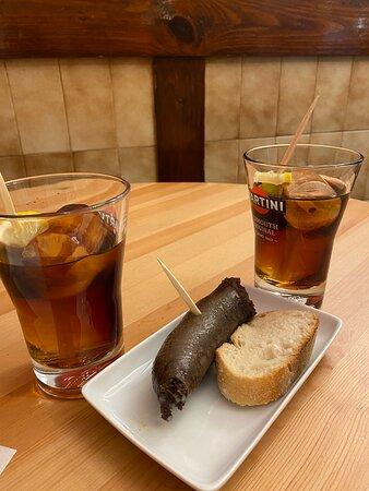 Ermua, Spanien: Morcilla y vemut Siderit