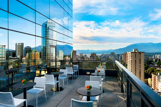 Club Lounge - Balcony