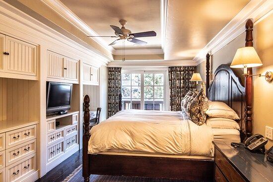 3 Bedroom Residence 2nd Bedroom