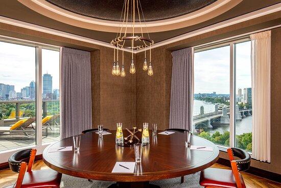 Presidential Suite - Meeting