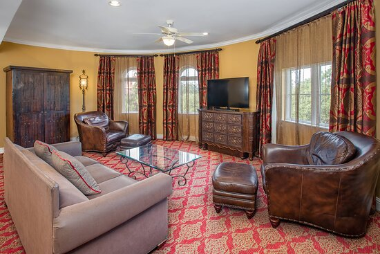 St. Francis Suite - Living Room