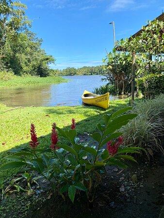 Barra de Pacuare, Costa Rica: Vista desde el camino de la parte central del lodge a la terraza