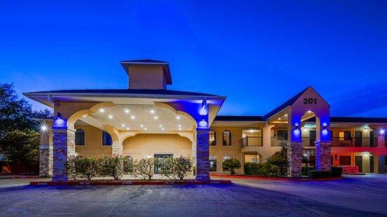 Welcome to the Best Western Huntsville Inn & Suites!