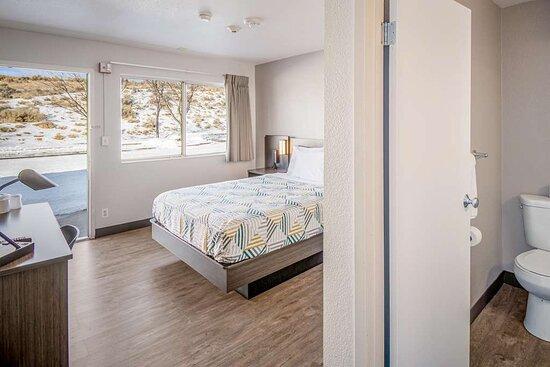 Motel Elko NV single