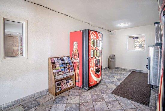 Motel Elko NV vending