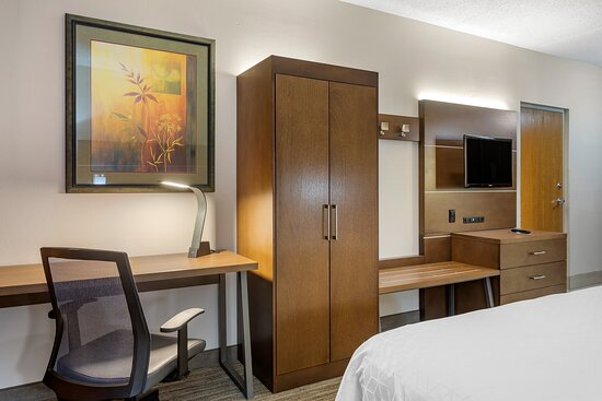 ADA mobility accessible guestroom