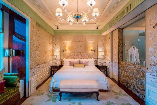Astoria Suite - Bedroom