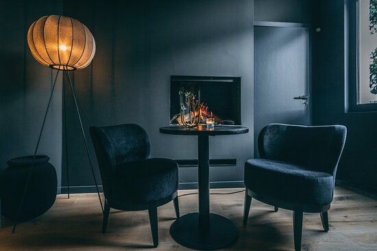 Zoersel, Belgien: Onze lounge, waar je welkom bent voor een lekker glas,  een hapje of een volledige wine & dine beleving.