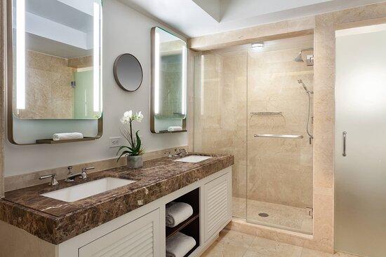 Intracoastal Guest Room - Bathroom