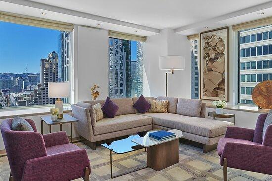 Metropolitan Suite - Living Room