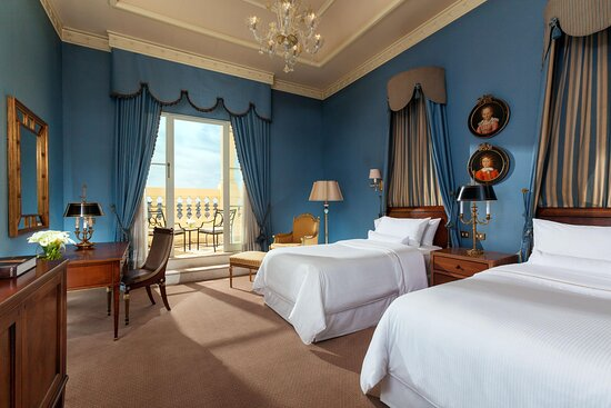 Twin Grand Luxe Guest Room