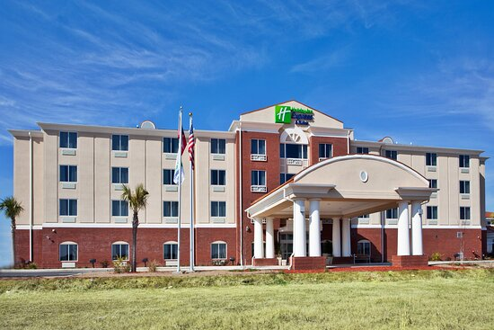 Holiday Inn Express & Suites Moultrie, Ga Hotel Exterior
