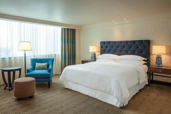King Suite Aztlan Penthouse