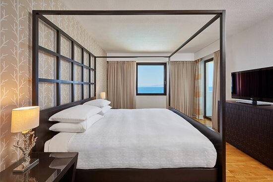 King Aegean Suite