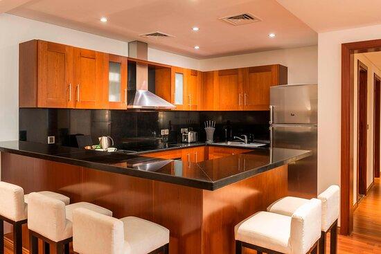 Three-Bedroom Residence - Apartment Kitchen