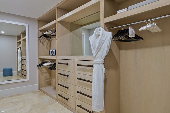 Governor's Suite Master Bedroom Closet