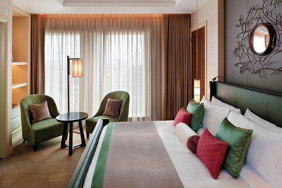 Yuri Suite - Bedroom