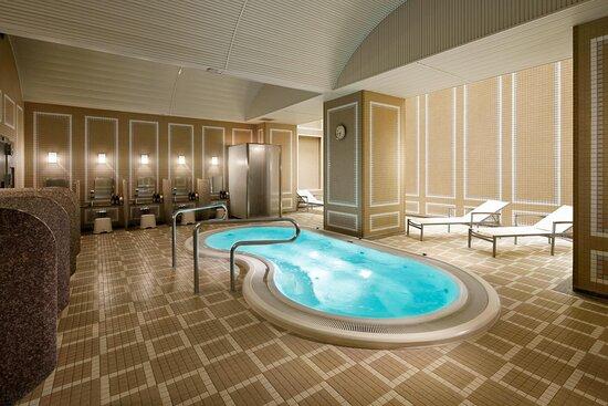 Whirlpool Bath & Sauna
