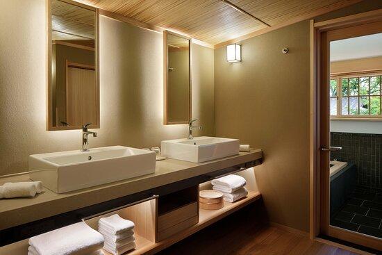 Kasuen Suite - Bathroom