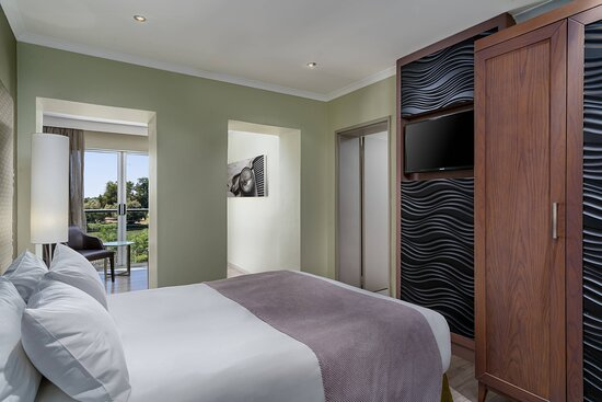One Double Guest Room - River View