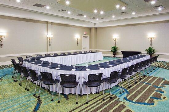 Crowne Plaza Hotel UShape Meeting