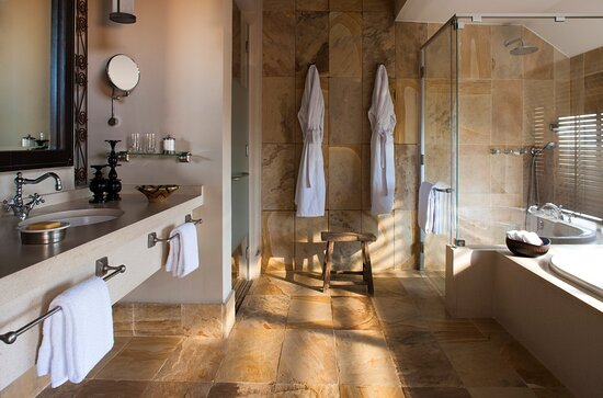 Savannah Bathroom