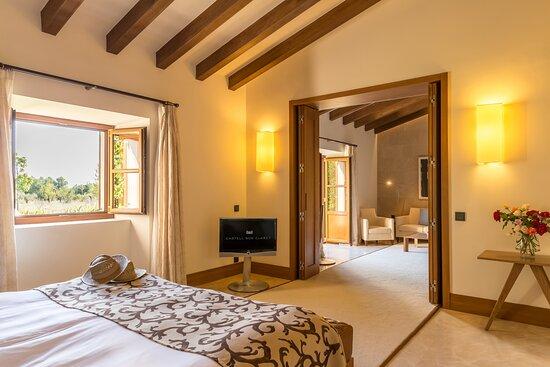 Pool Suite - House Seven - Bedroom