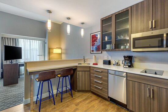 Studio King Suite - Kitchen