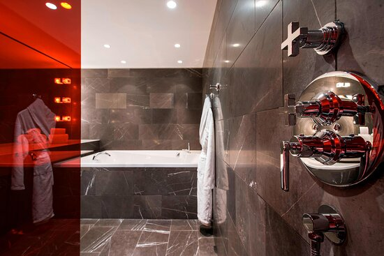 WOW Suite - Bathroom