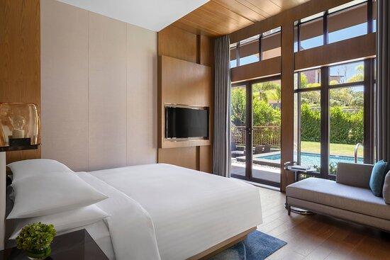Deluxe Garden Villa - Bedroom