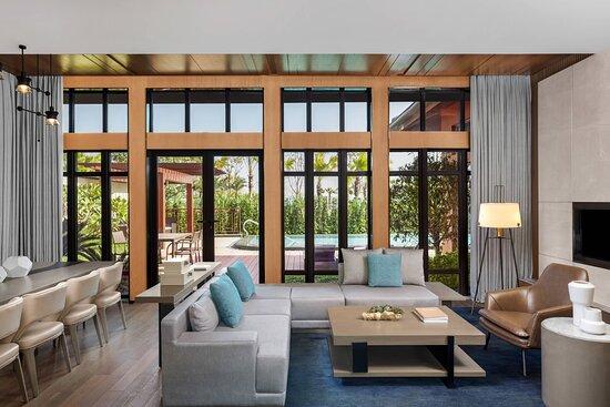 Superior Deluxe Garden View Villa - Living Room