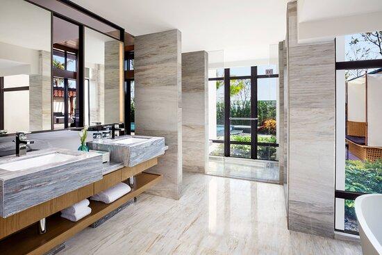 Deluxe Garden Villa with Garden View - Bathroom