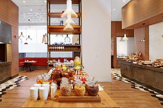 Emiliya Restaurant - Breakfast