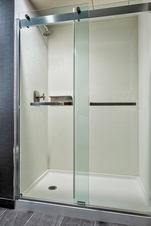 Executive Suite - Walk-In Shower