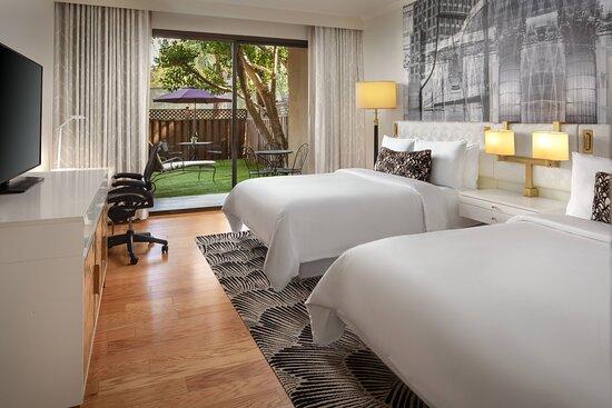 Queen/Queen Deluxe Terrace Guest Room
