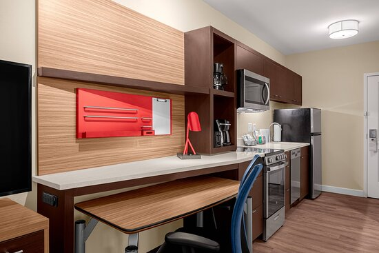 One-Bedroom King Suite - Kitchen & Work Space