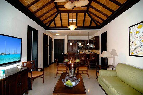 Ocean-View Suite Living Area