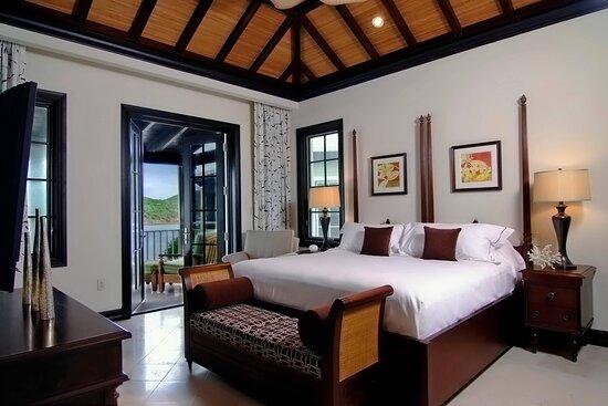 Ocean View Suite Master Bedroom