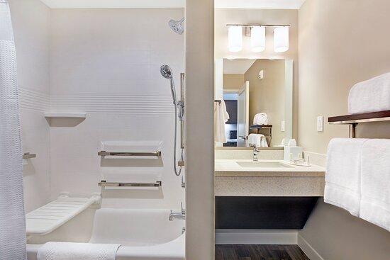 Accesible Bath Tub