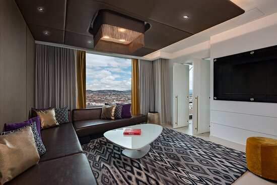 Fantastic Suite Living Room