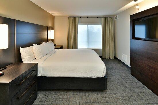 Suite - King Bedroom
