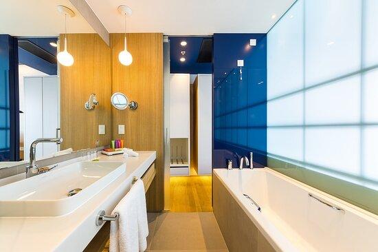 Deluxe Suite Marina View