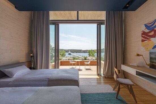 Superior Twin Marina View Room