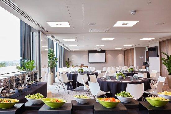 Heriot Suite - Banquet Setup