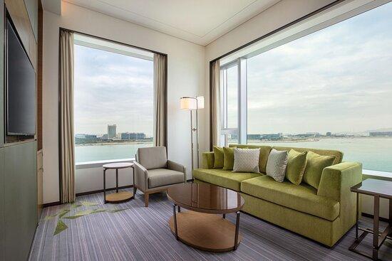 Executive Ocean View Suite - Living Room
