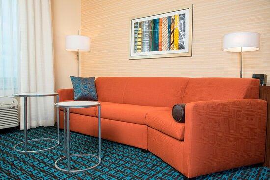 Studio Suite - Seating Area