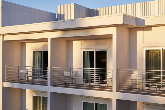 Guest Room - Balcony