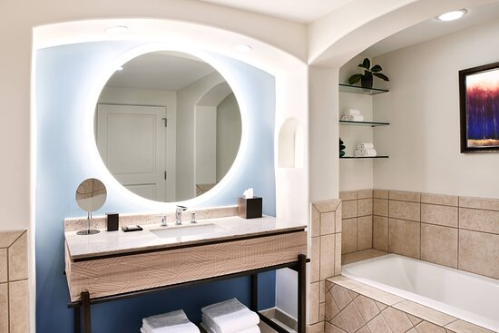 Cliffside Bathroom - Tub