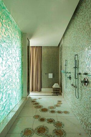 Royal Suite - Master Bathroom - Double Shower