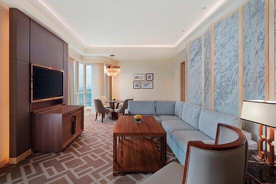 Sheraton Suite - Living Area